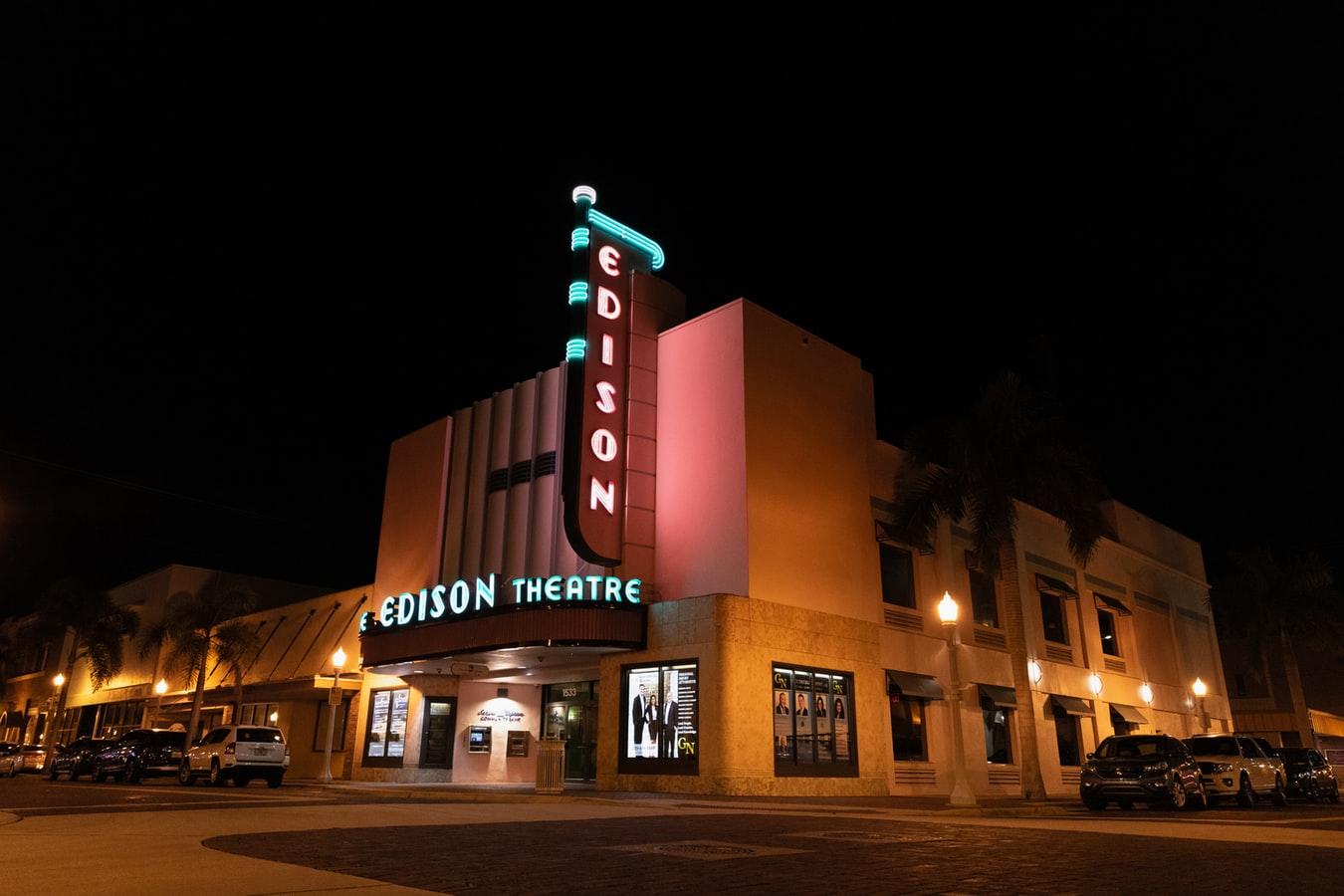 Cinéma en salles : tout va très bien madame la marquise
